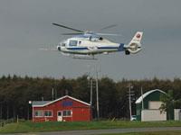 大樹航空公園にあるJAXA実験棟の前を飛行するMuPAL-ε