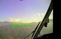 パイロットが見ているHMDの映像(本当はもっと広い範囲に表示がある)